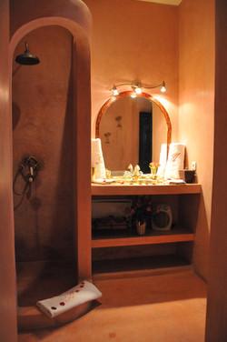 salle de bain chambre bordeaux