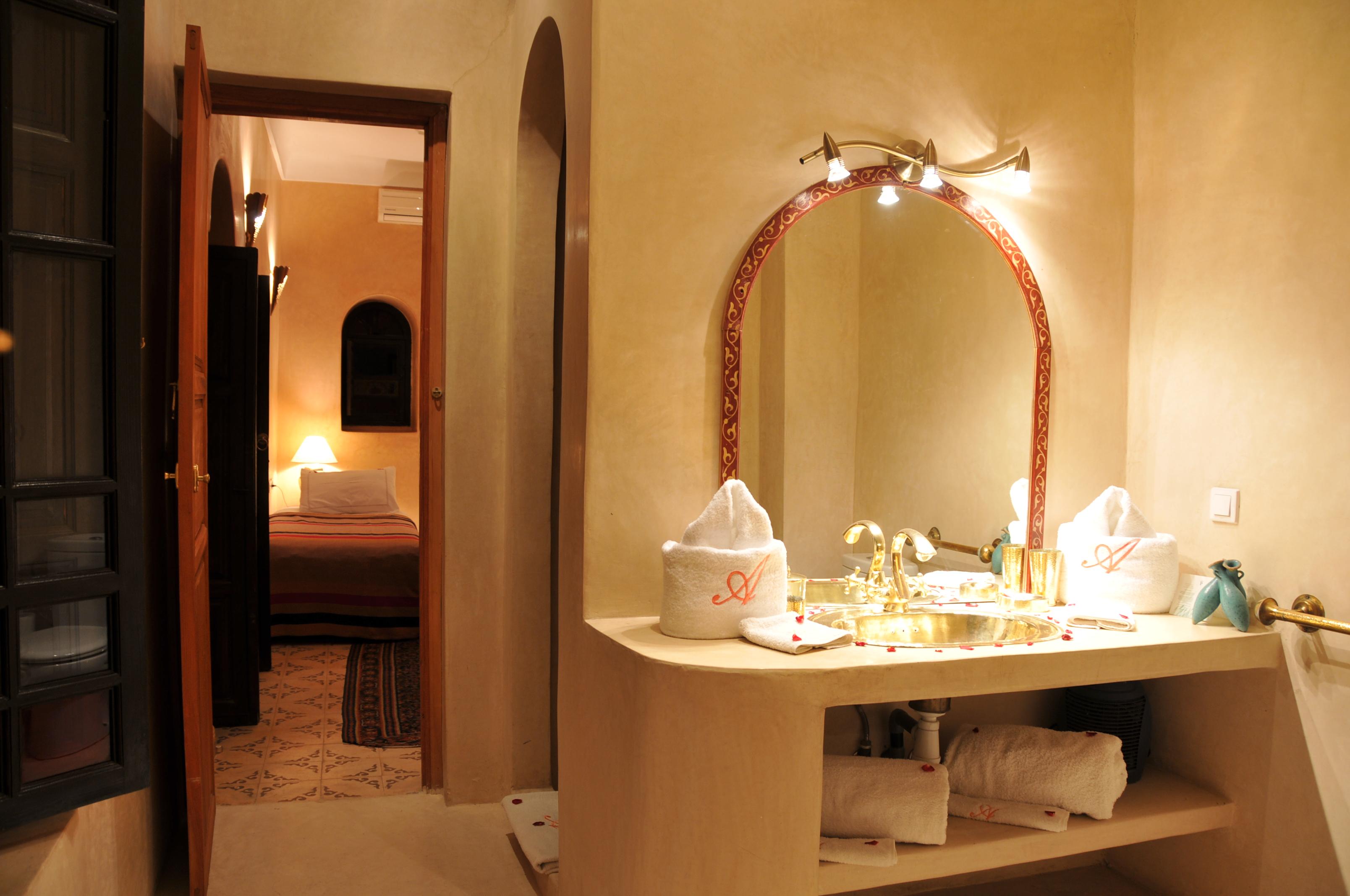 salle de bain chambre rose