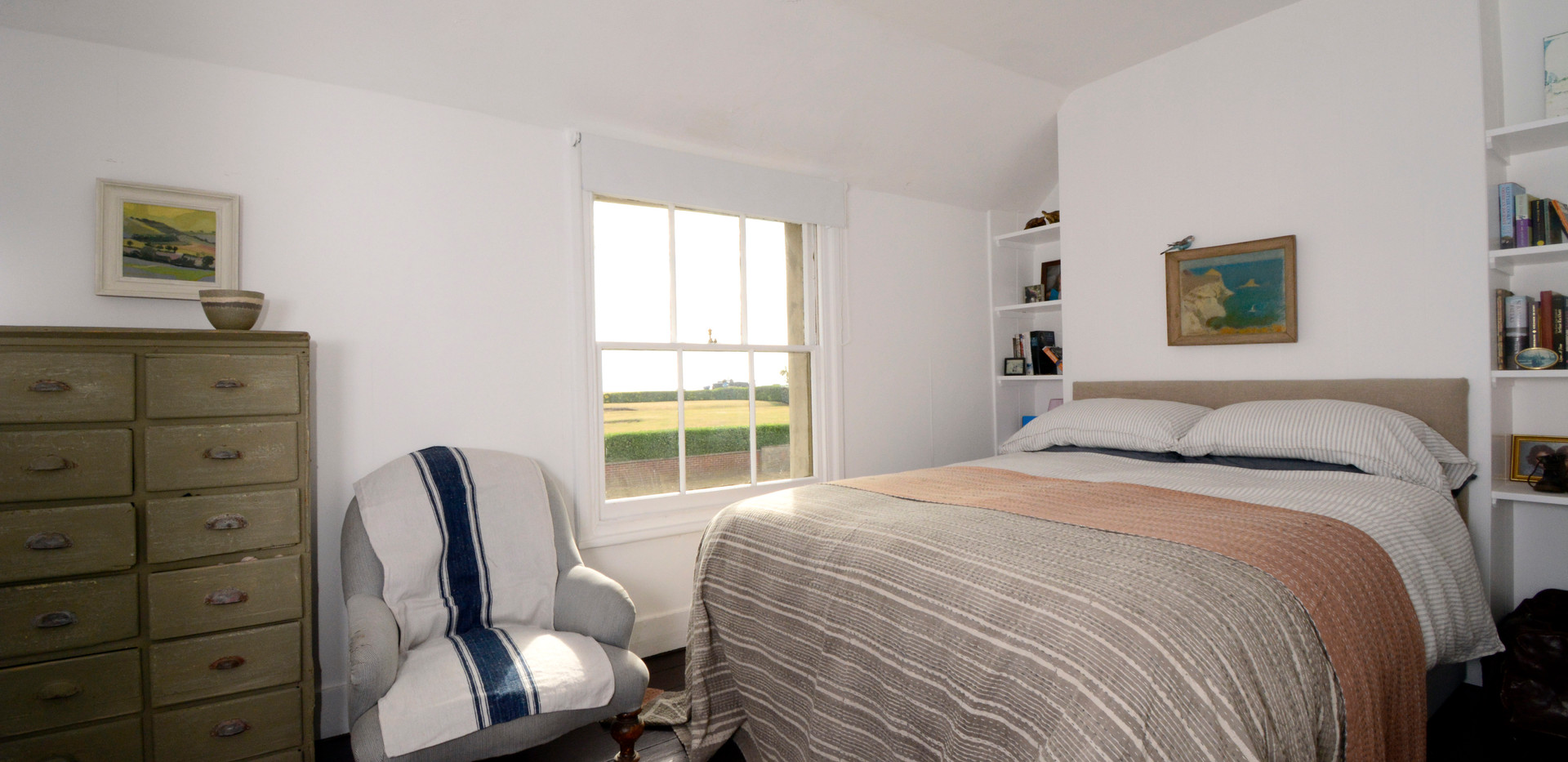 Deal Holiday Lets The Strand Bed 2 Sea view