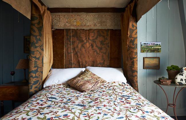 Barbicanbedroom4