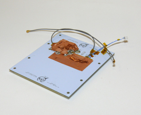SSA02 34dB Cubesat S-band antenna back showing the amplifier phase and cables
