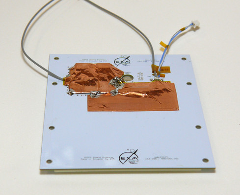 SSA02 34dB Cubesat S-band antenna back showing the amplifier phase