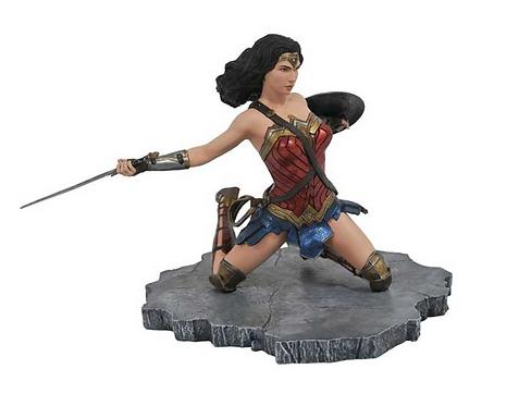 Justice League Movie: Wonder Woman Gallery PVC Diorama