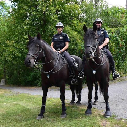 POLICE OFFICERS ON HORSEBACK IN RIVIÈRE-DES-PRAIRIES (SEPTEMBER 2 2021)