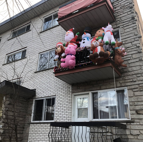MONTREAL NORTH RESIDENT GETS INTO THE CHRISTMAS SPIRIT (NOVEMBER 18 2020)