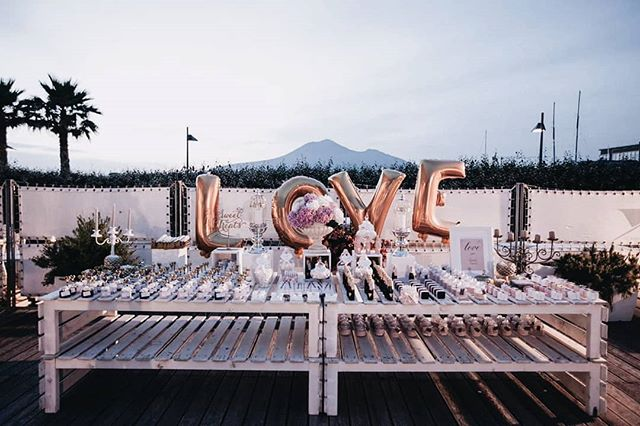 Love love love_Sweet table ❤❤ #theknot #couture #wedding #swaroskicrystals #abudhabi #princessbride