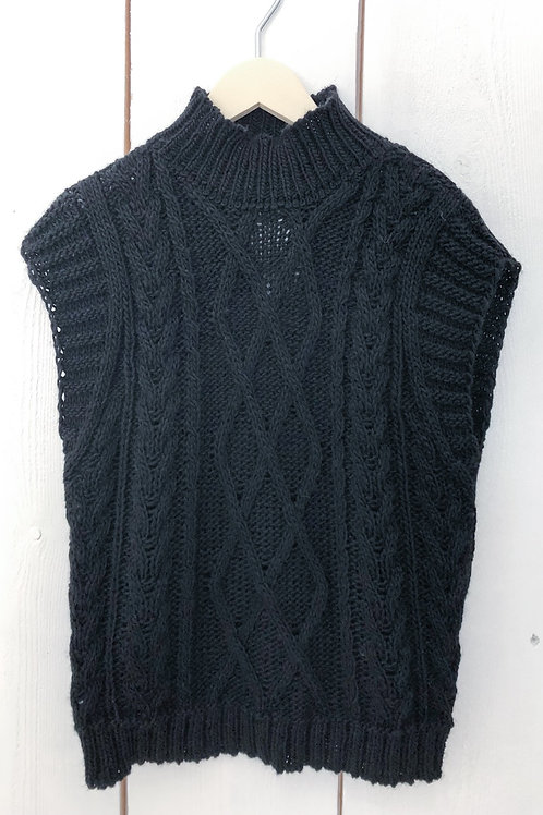 Short Cable Knit Sleeveless Jumper