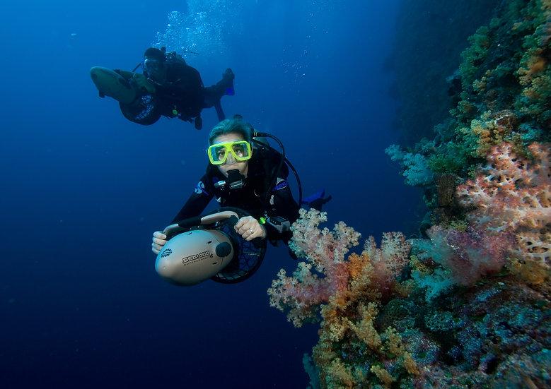 PADI Diver Propulsion Vehicle Diver