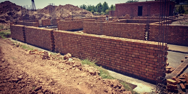 """Brick Work 4'-0"""" at a time"""