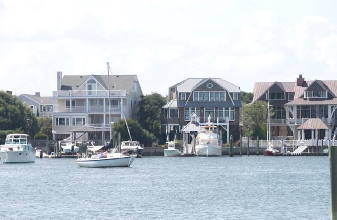 House on water 2.jpg