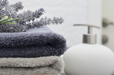 EASY AND AFFORDABLE BATHROOM UPGRADES