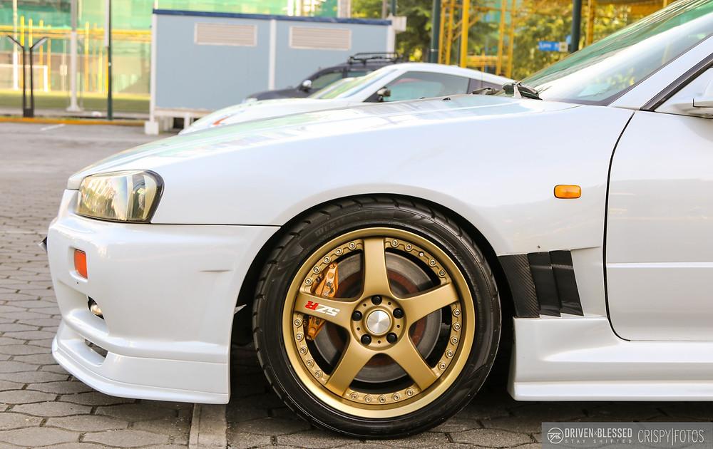 Nissan Skyline R34 GTR wheel close up