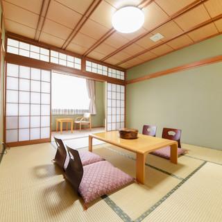 部屋(和室8畳)1.jpg