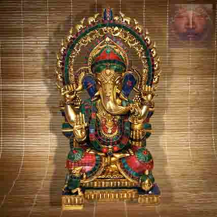 Statue Ganesh assis sur son Trone
