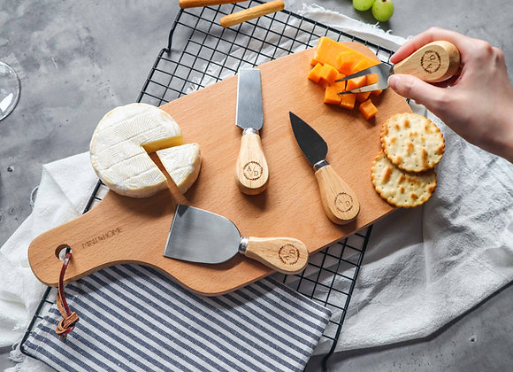 Couple Wreath Personalised Mini Cheese Knives Set