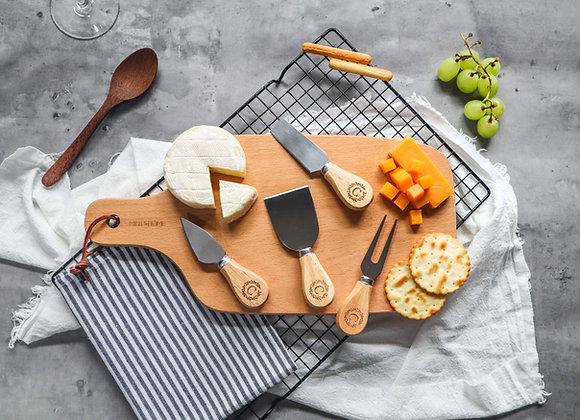 Wreath Initial Personalised Mini Cheese Knife Set