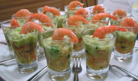 coquetel camarão com guaca mole