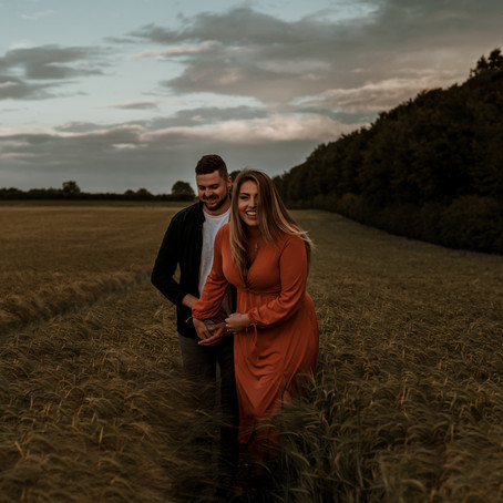 mADDIE & OLI - COUPLE SHOOT IN A POPPY FIELD