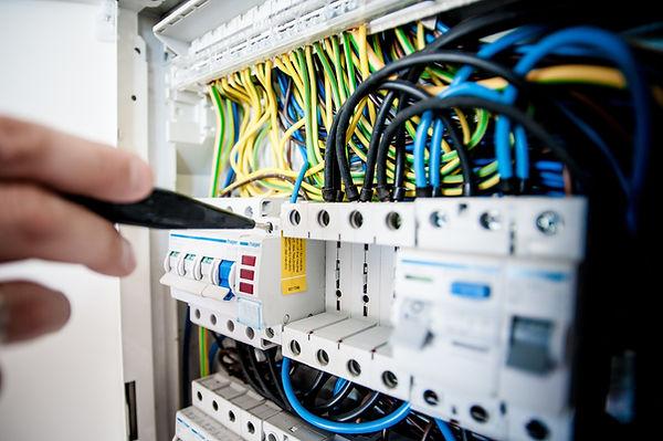 Installations- und Montageteamm Licht und Elektro