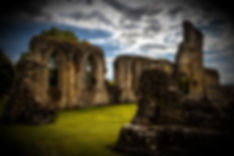 Trenches-England-Glastonbury-Abbey_edite