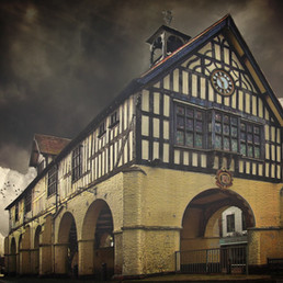 Bridgnorth_Town_Hall_and_Market_front_no
