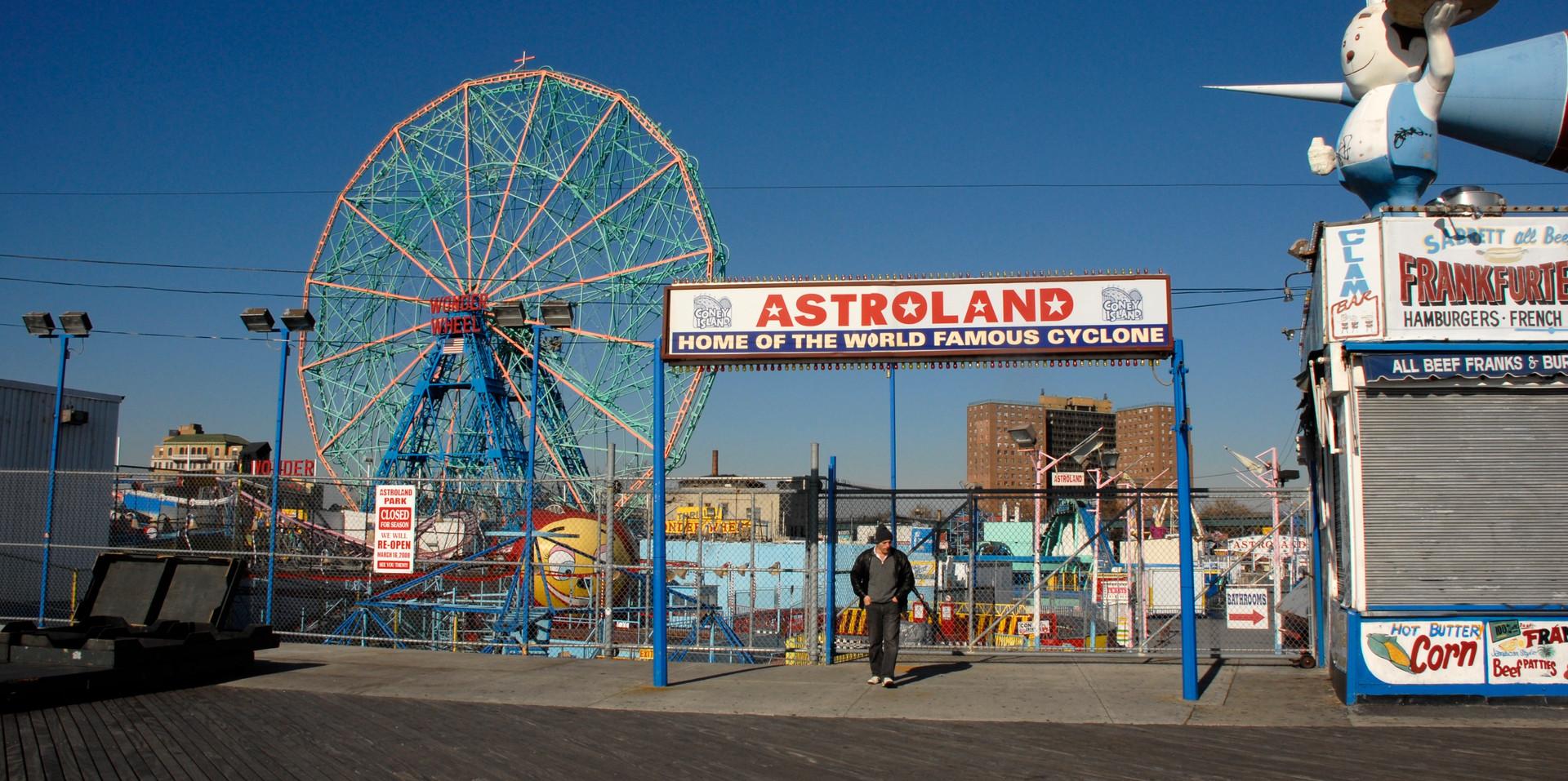 Astroland, 2009