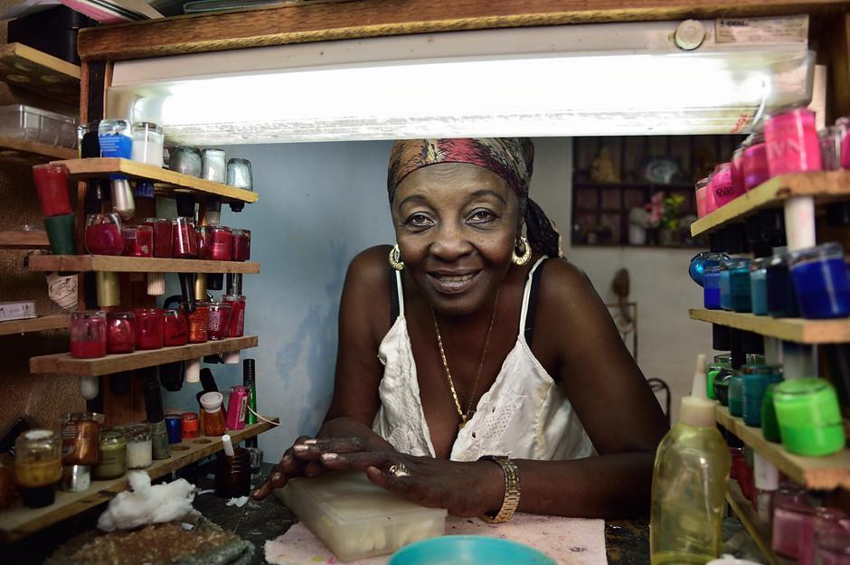Havana Manicurist, 2015