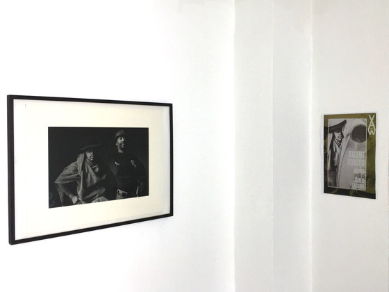 A gauche : Dumile Feni et Louis Moholo, à droite Dumile Feni sur la couverture du livre de Jared Angira, Silent Voices.