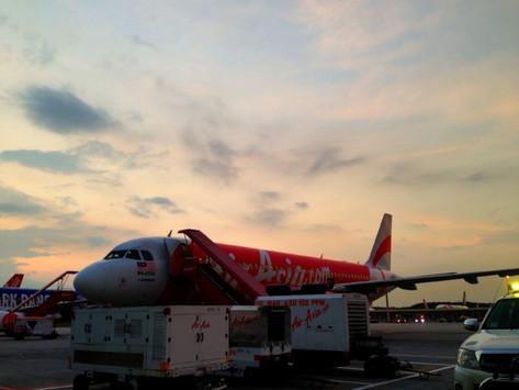 REVIEW:  AirAsia Economy Class Vientiane - Kuala Lumpur - Bali