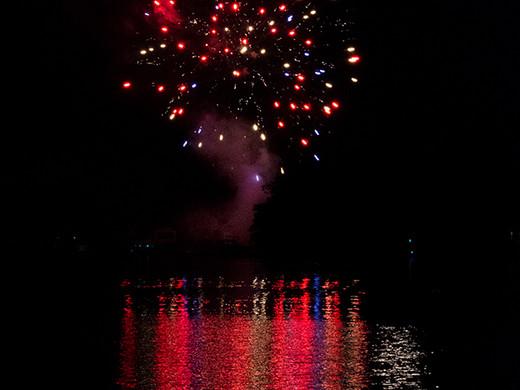 Full Moon Fireworks_16_Jan Tullock