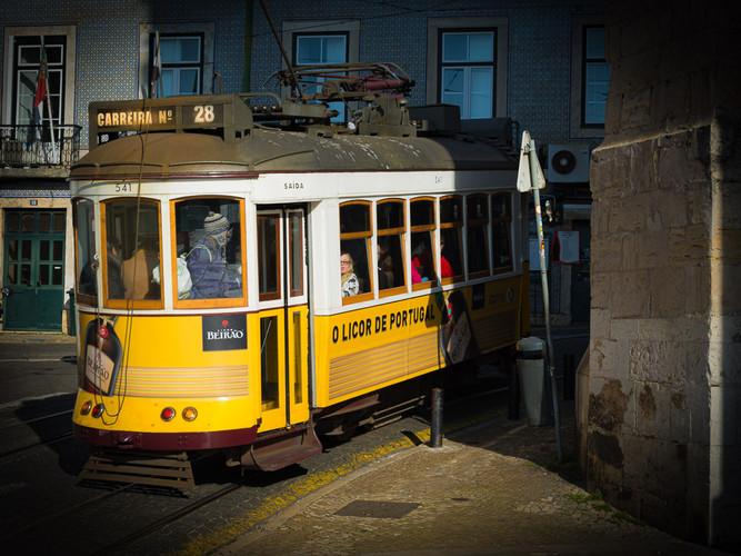 Lisbon Trolley_Larry Gleit_Honorable Men