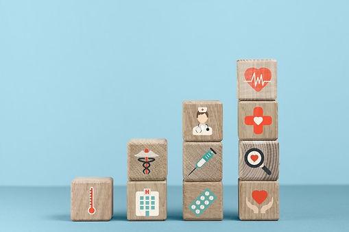 cubos-iconos-medicos-fondo-azul_23-21482