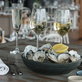 Sydney Restaurant Recommendation: Cala Luna's Oyster and Wine Flights