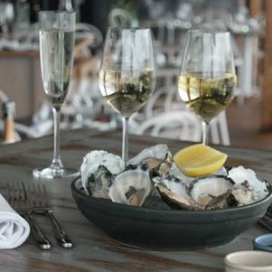 Sydney Restaurant Recommendation: Cala Luna's Oyster and Wine Flights