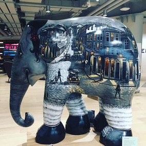Visiting Thailand: Shopping at Siam Discovery