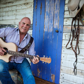 Sydney Chic Chats With Australian Country Music Icon, James Blundell