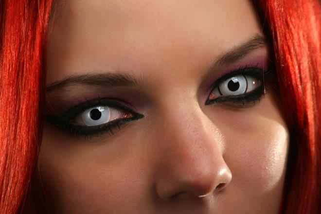 eye makeup dangers