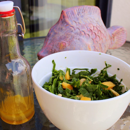 Spinach, Mango & Cashew Salad With Lime Dressing