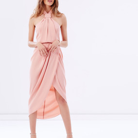 5 Dreamy Party Dresses To Show Off Your Femininity