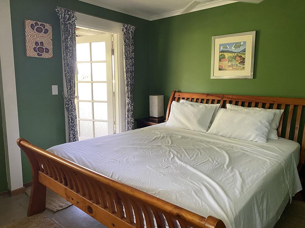 Treetops Airbnb Belliingen