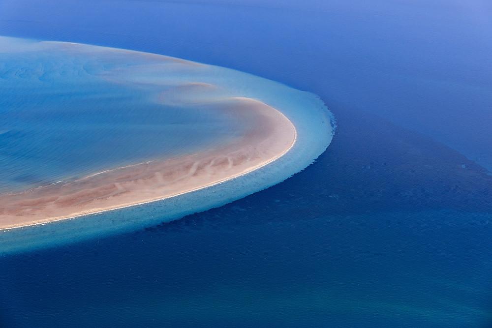Girt By Sea Photography by Tony Hewitt and Dennis Glennon AO