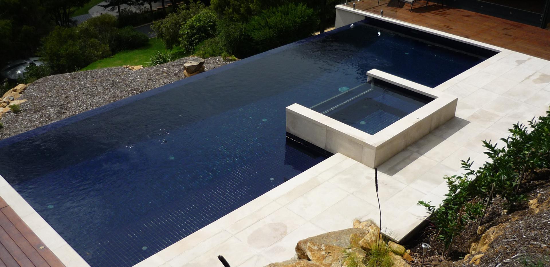 snow white sandstone pool.JPG