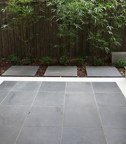 Bluestone Ocean Honed courtyard 500x500.