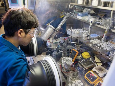 Tecnologia IBM de armazenamento de energia promete superar o íon-lítio!