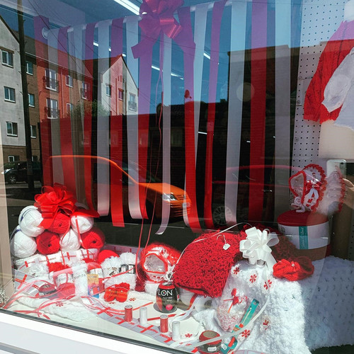 England-Red-White-Yarn-Euros-StGeorge-wool-flag.jpg