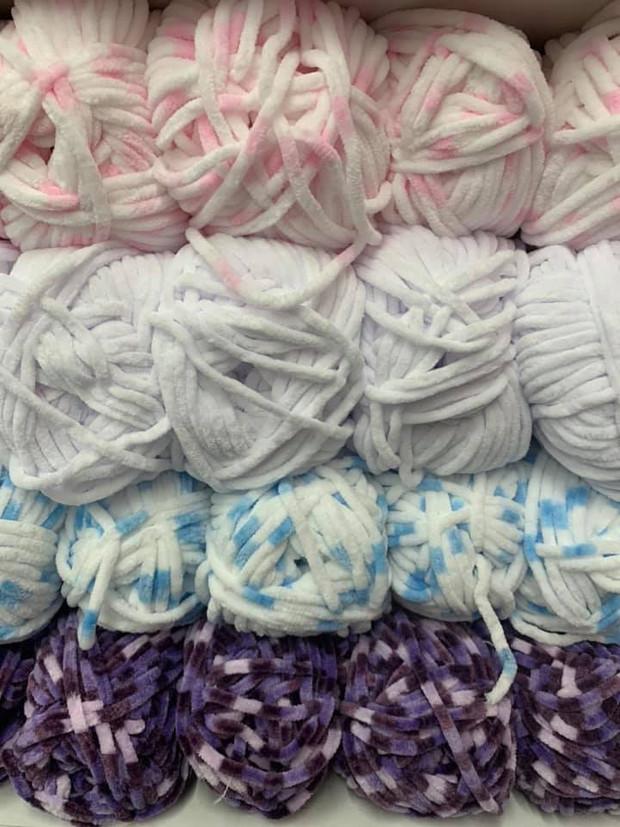 Woolcraft-Chenille-wool-yarn-pink-white-blue-dark.jpg