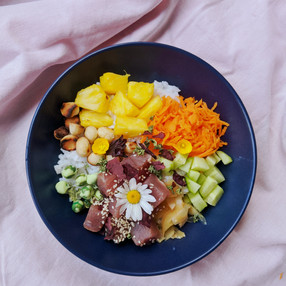 How to build your own poke bowl at home.