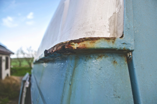 A rusty roof join on our LDV Convoy- how to fix rust