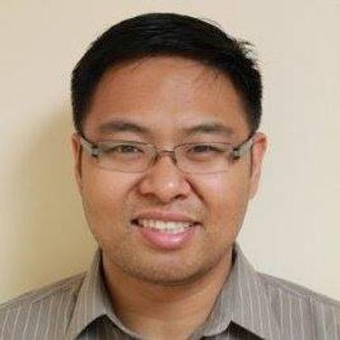 Dr. Chuong Dao, Optometrist