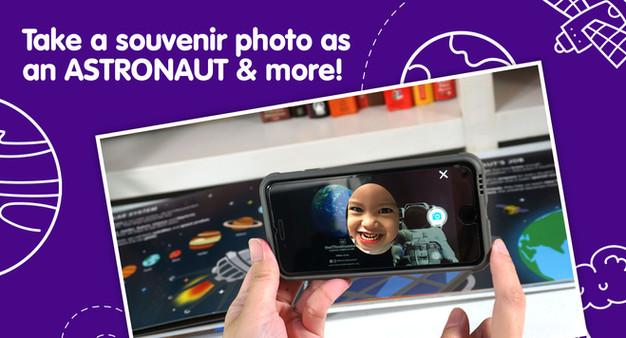 Take a souvenir photo as an astronaut!